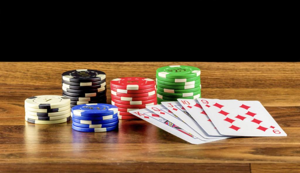 細剖在線德州撲克和現場撲克之不同點